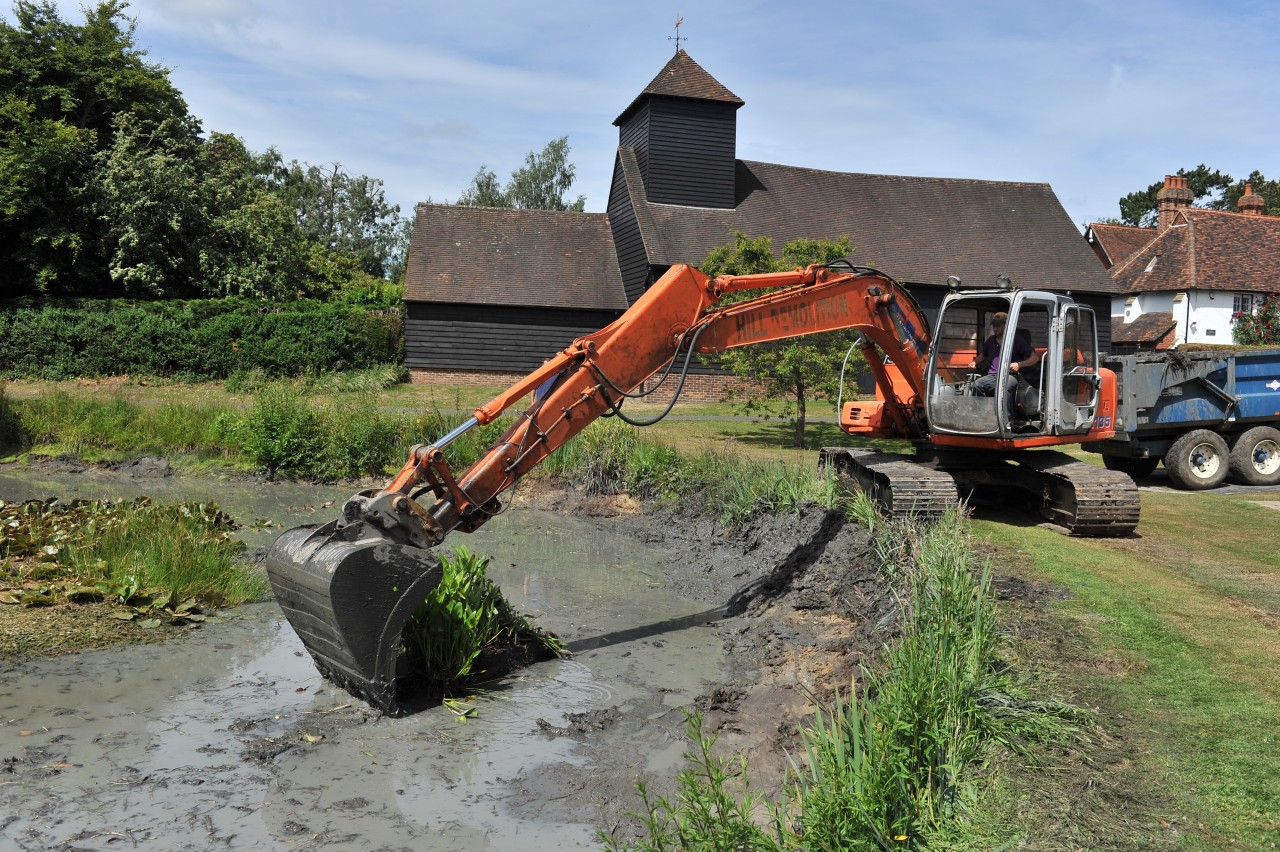 Mechanised pond clearance